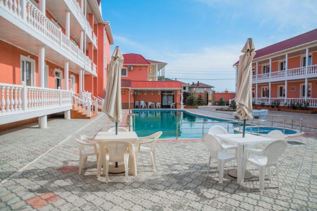 Семейный отель в Евпатории